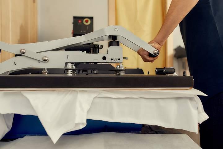 Presse de flocage sur textile personnalisable