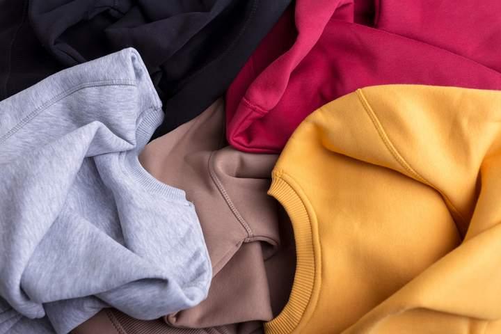 Large choix de couleurs de pulls  personnalisables